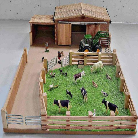 Millwood Crafts-Small Farm Yard