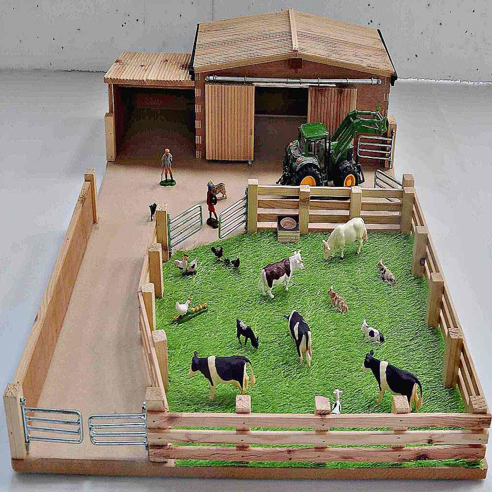 Millwood Crafts Small Farm Yard Pitter Patter Toys